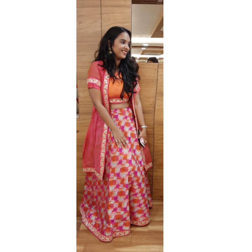 Dolly Jain Fashion Blogger